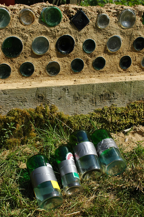 Building an earthship green building blog for How to build a bottle wall
