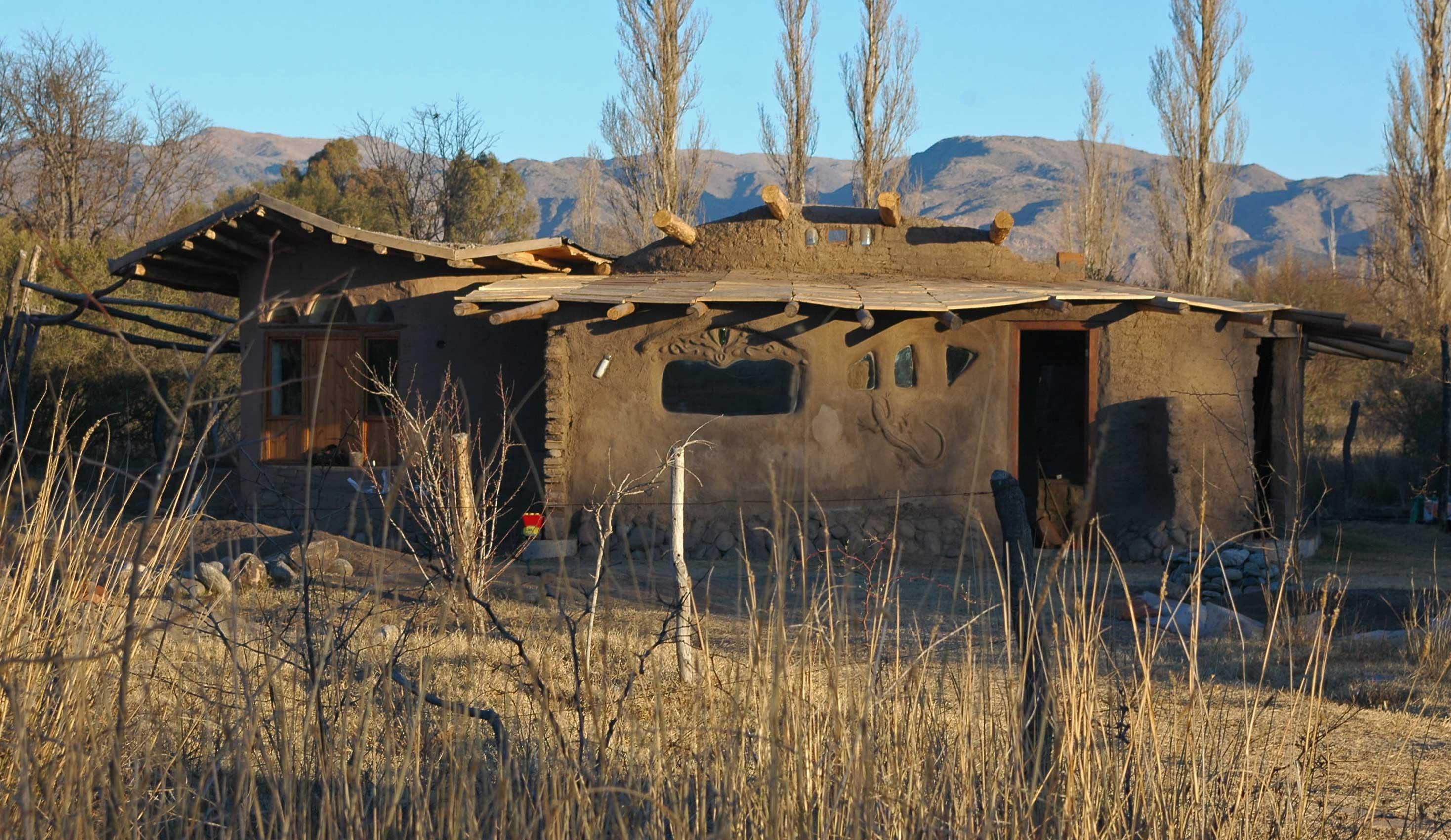 Casa tierra san francisco del monte de oro san luis for Casa argentina